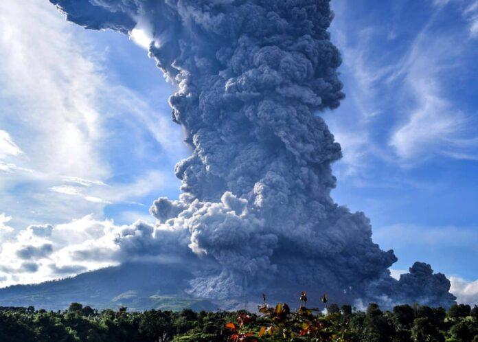 Sinabung volcano eruption